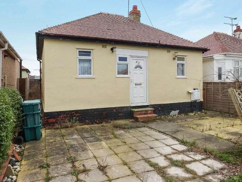 2 Bedrooms Detached Bungalow for sale in Clwyd Gardens, Kinmel Bay