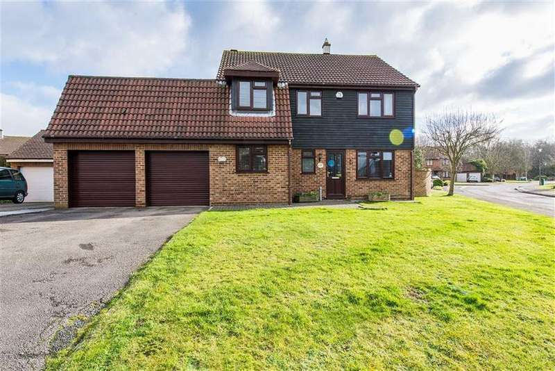 5 Bedrooms Detached House for sale in Cobblestones, Hempstead