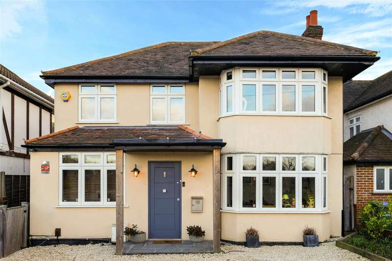 4 Bedrooms Detached House for sale in Ember Lane, Esher, Surrey, KT10