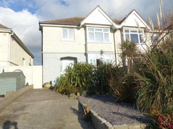 3 Bedrooms Property for sale in Chickerell Road, Weymouth, Dorset