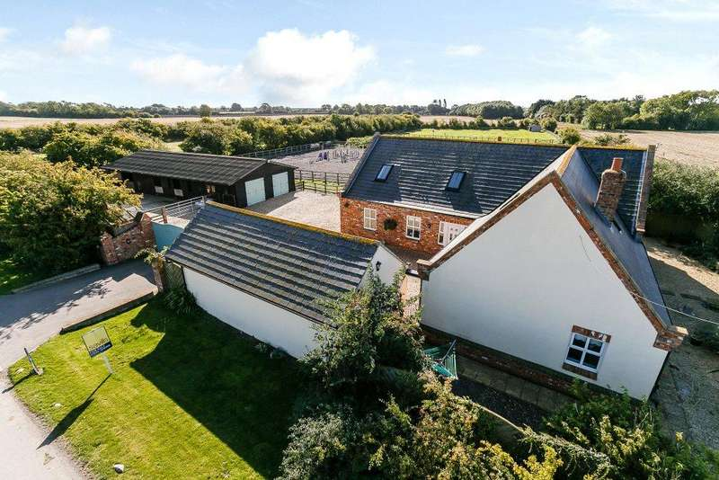 4 Bedrooms Equestrian Facility Character Property for sale in Meadow Cottage, Bridge Lane, Fulstow, Louth, LN11