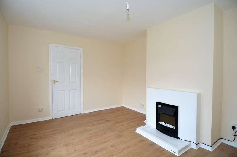 3 Bedrooms Property for rent in Burnbridge Road, Old Whittington S41