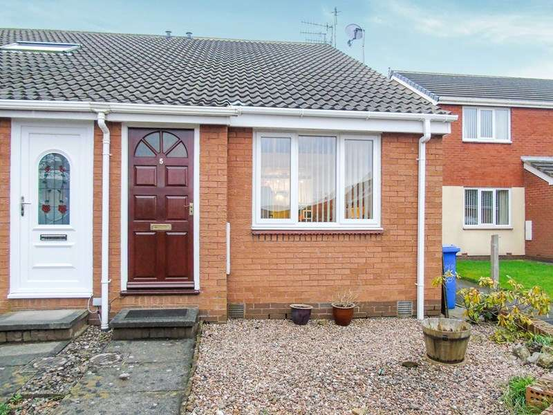 1 Bedroom Property for sale in Willow Close, Morpeth, Northumberland, NE61 1XG