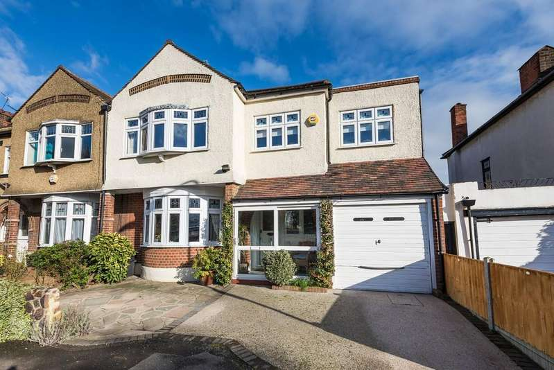 4 Bedrooms End Of Terrace House for sale in Chestnut Drive, Wanstead