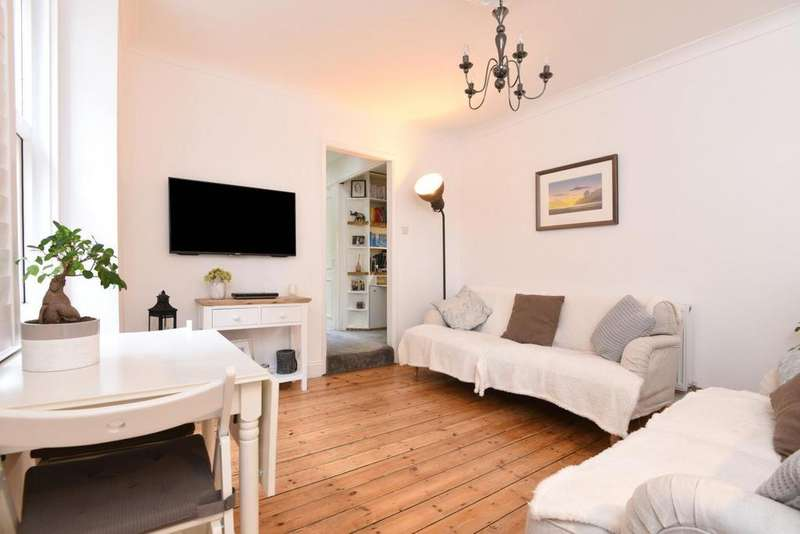 2 Bedrooms Flat for sale in Renmuir Street, Tooting