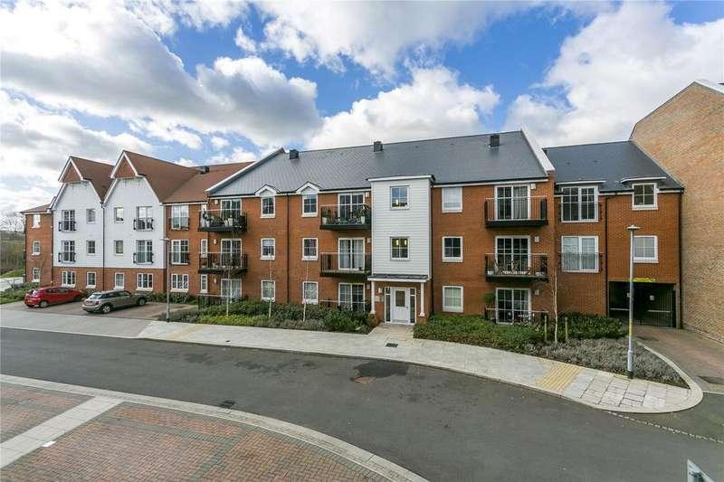 1 Bedroom Flat for sale in Swinton Court, Mere Road, Dunton Green, Sevenoaks
