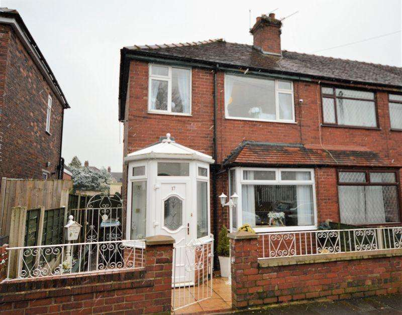 2 Bedrooms Terraced House for sale in Alcester Street, Oldham