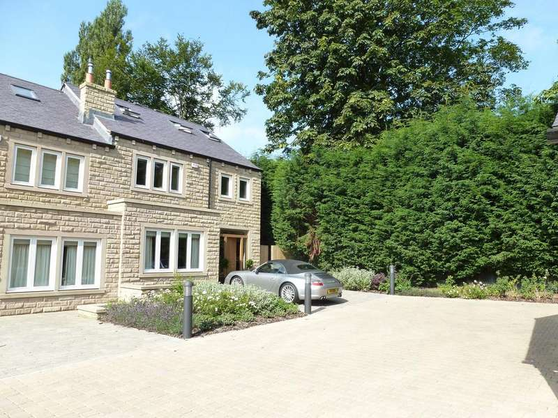 4 Bedrooms Town House for rent in Park Avenue, Roundhau, Leeds LS8 2JJ
