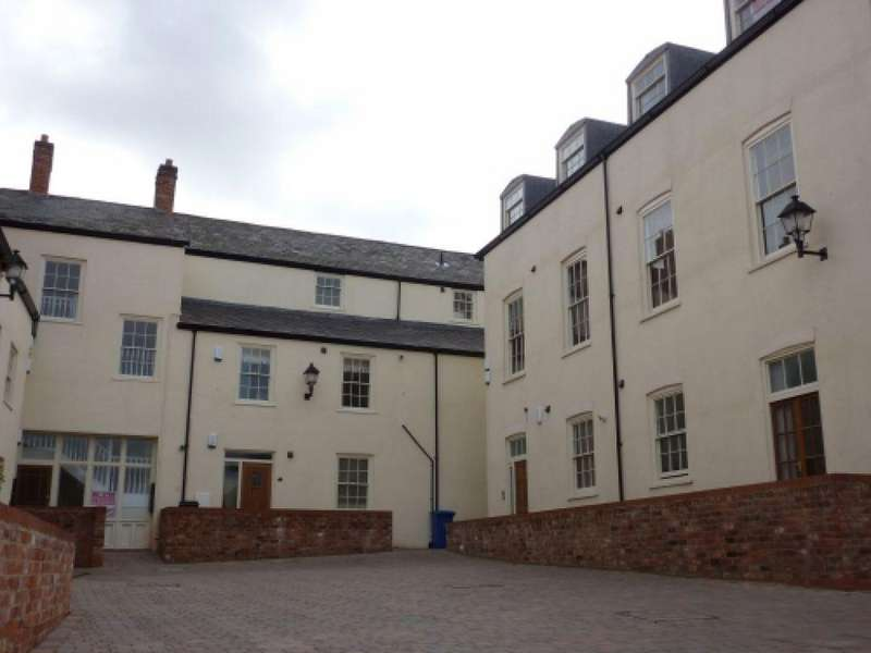 2 Bedrooms Apartment Flat for rent in Coach House Court, Caistor
