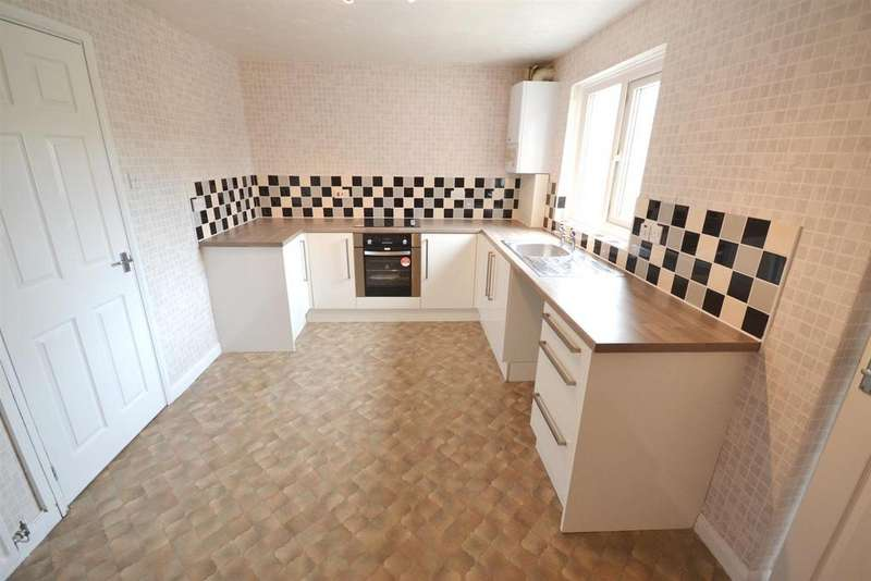 3 Bedrooms Terraced House for rent in Hamilton Close, Pennar, Pembroke Dock