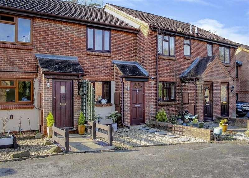 2 Bedrooms Terraced House for sale in Upavon Gardens, Forest Park, Bracknell, Berkshire