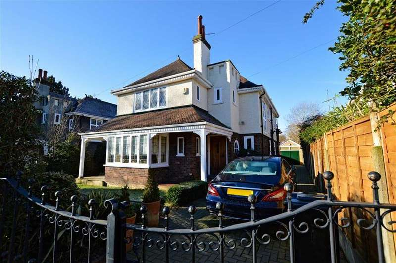 4 Bedrooms Detached House for sale in Seddon Road, Hale, Cheshire, WA14