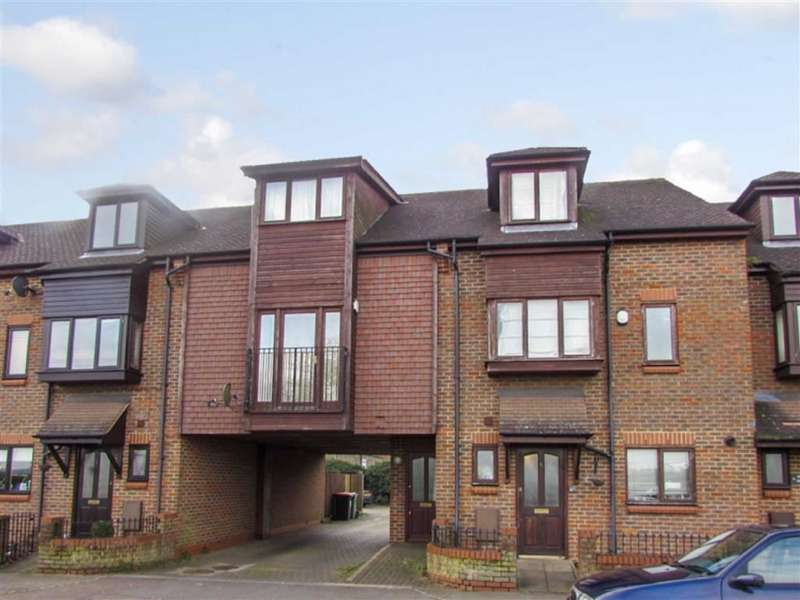 2 Bedrooms Flat for sale in Finns Villas, Luton Road, Toddington