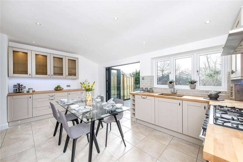3 Bedrooms Detached House for sale in Pollards Hill South, London, SW16