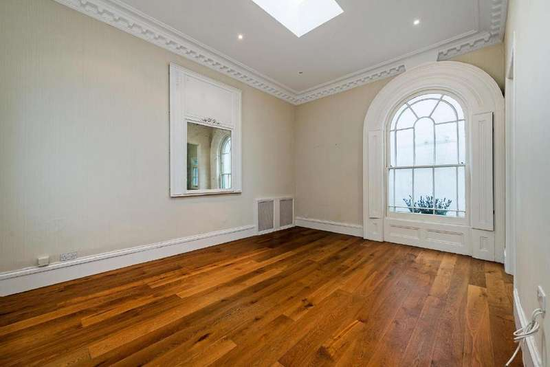 1 Bedroom Flat for sale in Queens Gardens, Bayswater