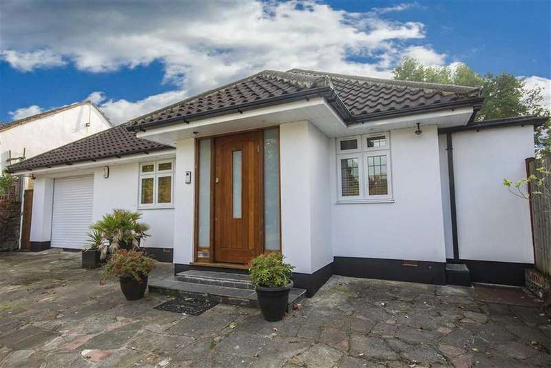 3 Bedrooms Detached House for sale in Rolfe Close, New Barnet, Hertfordshire