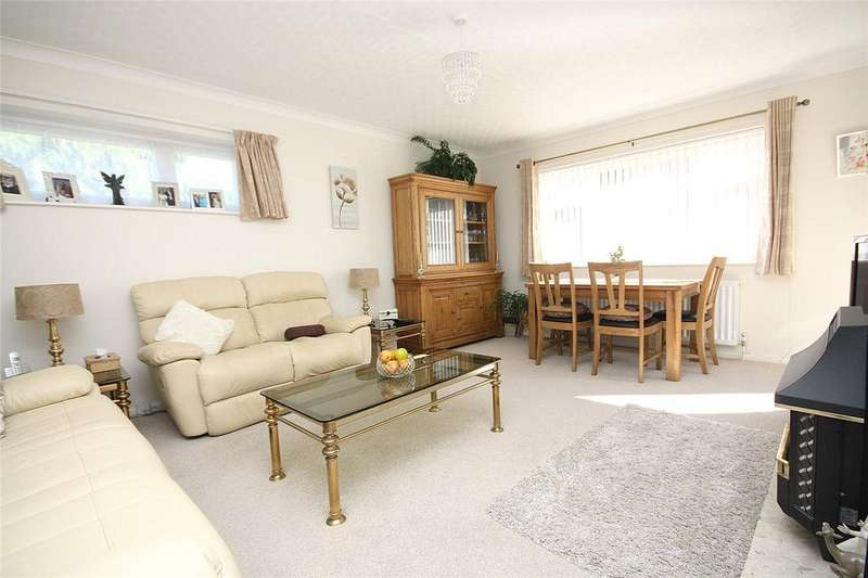 2 Bedrooms Flat for sale in Cheriton, 47 West Cliff Road, Bournemouth, Dorset, BH4