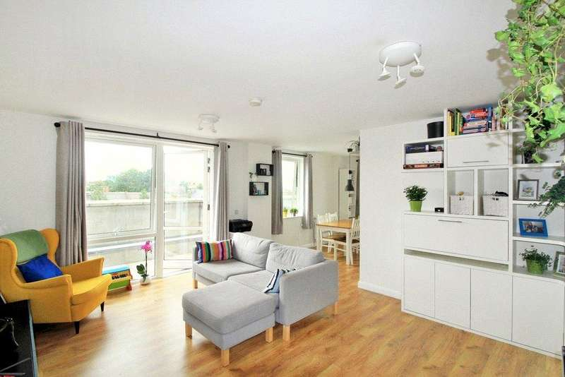 2 Bedrooms Flat for sale in Queensland Road, Islington, N7