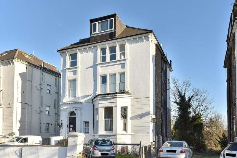 2 Bedrooms Flat for sale in Lancaster Road, South Norwood