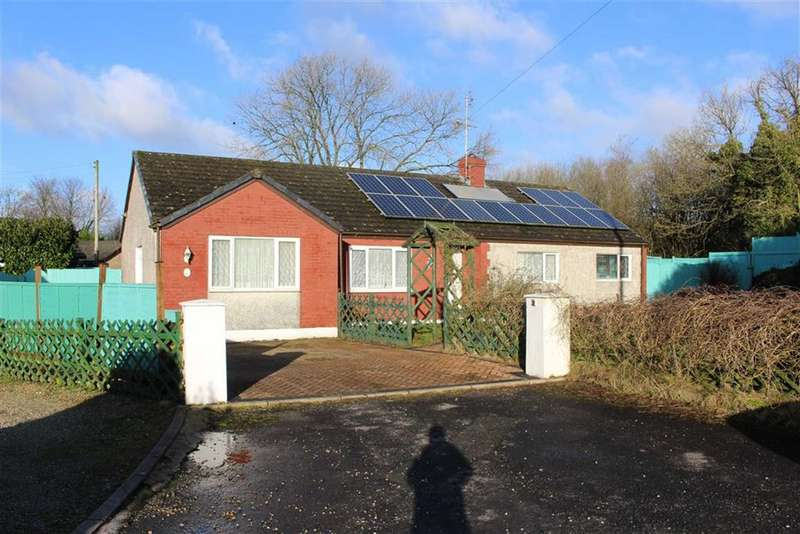 4 Bedrooms Detached Bungalow for sale in Quarry Park, Narberth, Pembrokeshire