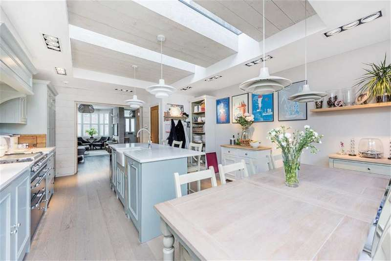 4 Bedrooms House for sale in Corsehill Street, Streatham, London