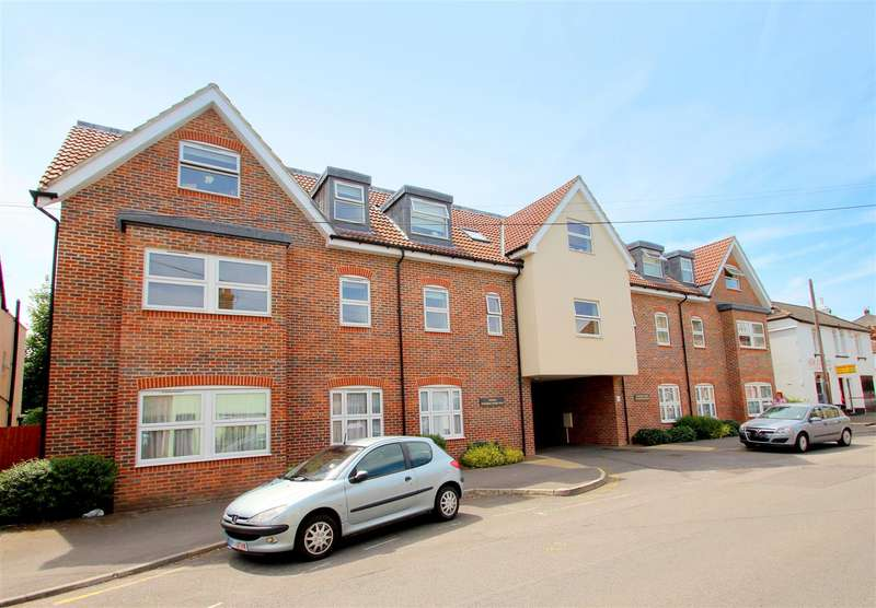 2 Bedrooms Apartment Flat for sale in Holmesdale Road, Reigate