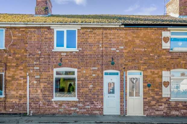 3 Bedrooms Terraced House for sale in Grove Street, Sleaford, Lincolnshire, NG34 9JY
