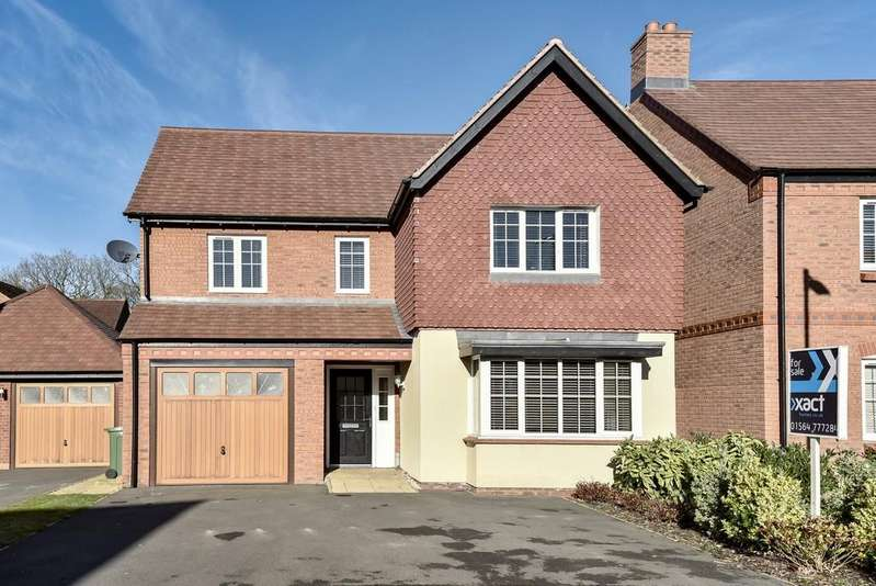 4 Bedrooms Detached House for sale in St. Phillips Grove, Bentley Heath
