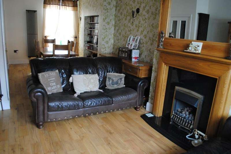 4 Bedrooms Terraced House for sale in Welholme Road, Grimsby, North East Lincolnshire, DN32