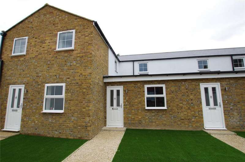 1 Bedroom End Of Terrace House for sale in Durban Road East, Watford, Hertfordshire, WD18