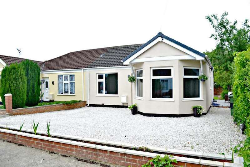 3 Bedrooms Semi Detached Bungalow for sale in Fannystone Road, Grimsby, Lincolnshire, DN34