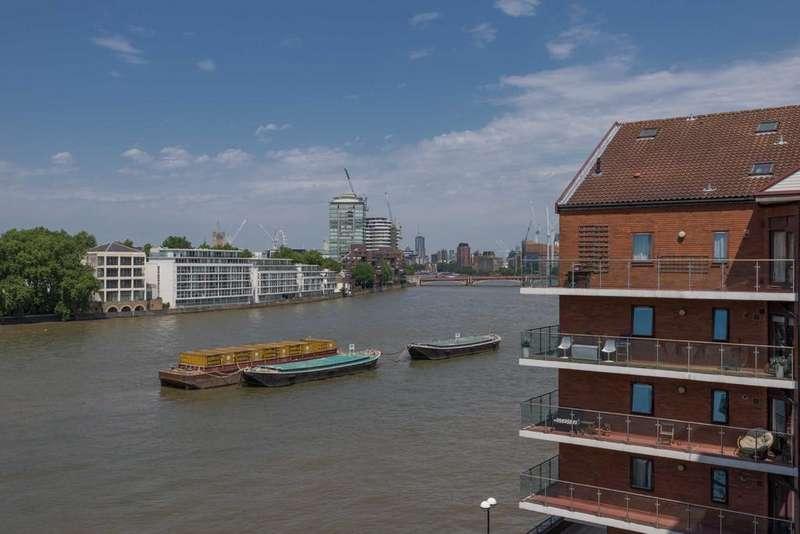 2 Bedrooms Apartment Flat for sale in Elm Quay Court, Nine Elms Lane, Vauxhall, London, SW8