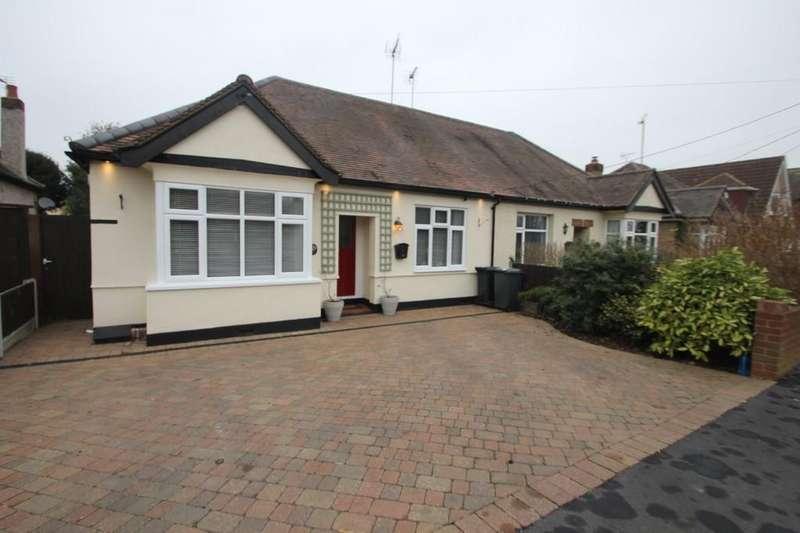 3 Bedrooms Semi Detached Bungalow for sale in Stambridge Road, Stambridge, Rochford