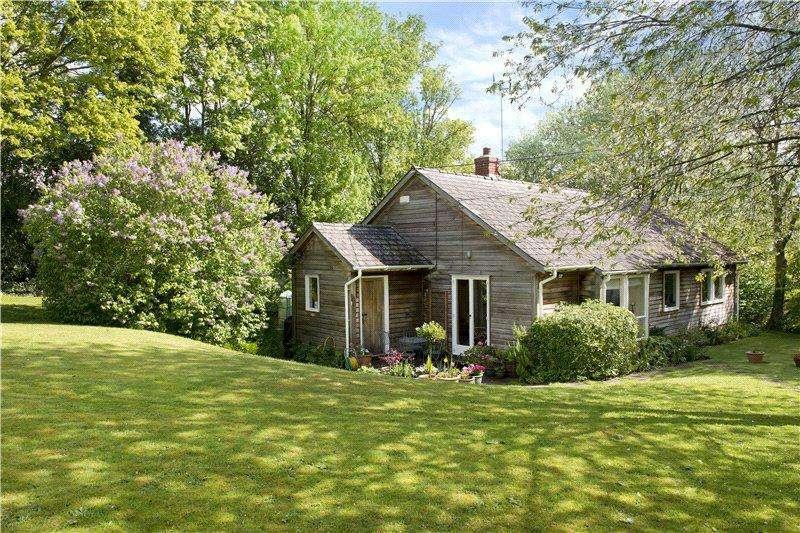 3 Bedrooms Detached House for rent in Cedar Cottage, Dean, Sparsholt, Winchester, SO21