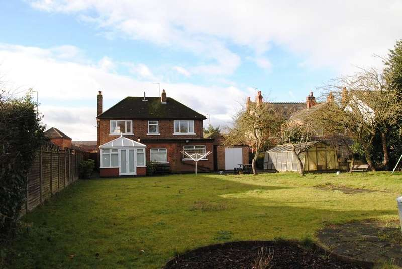 3 Bedrooms Detached House for sale in Grammar School Road, Brigg