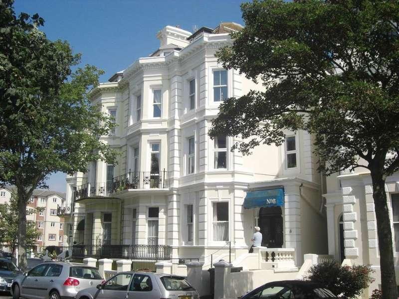 3 Bedrooms Maisonette Flat for sale in Trinity Crescent, Folkestone CT20