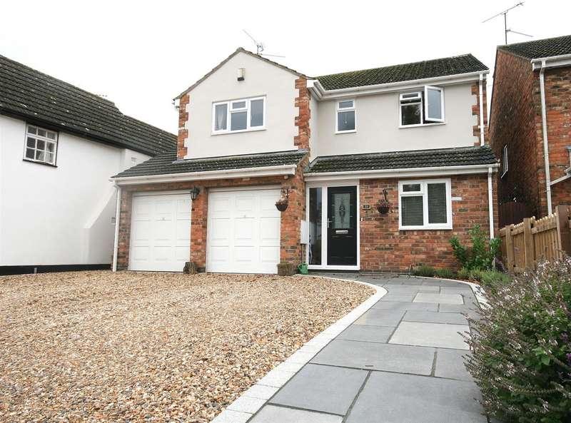 4 Bedrooms Detached House for sale in Wellhead Road, Totternhoe, Beds