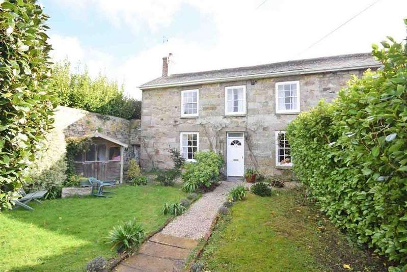 3 Bedrooms Semi Detached House for sale in Hayle, Cornwall , TR27