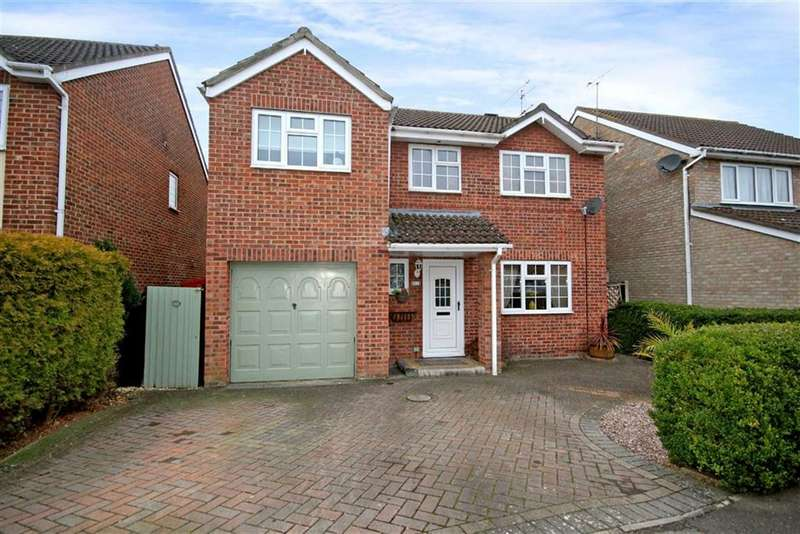 4 Bedrooms Detached House for sale in Griffiths Close, Stratton, Wiltshire