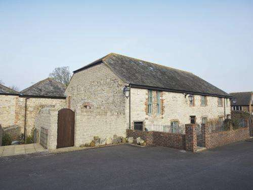 4 Bedrooms Semi Detached House for rent in FORDINGTON