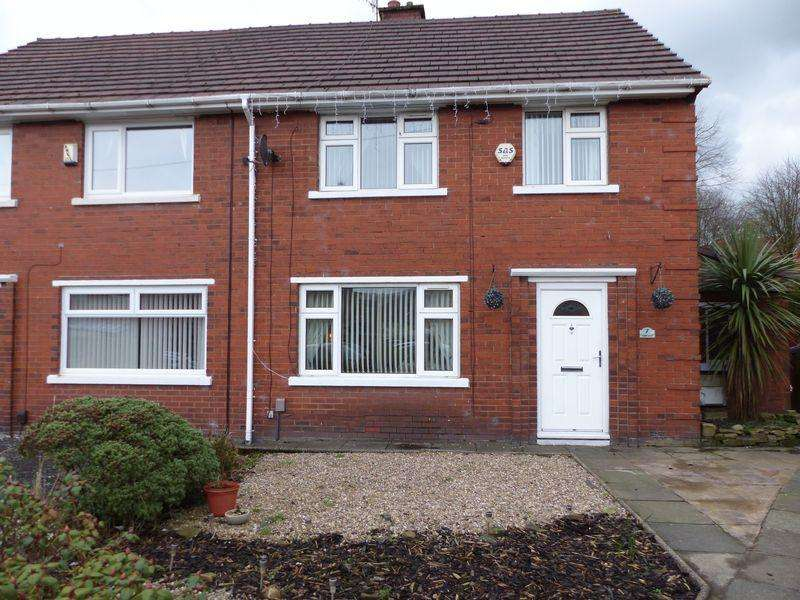 3 Bedrooms Semi Detached House for sale in Calder Grove, Oldham