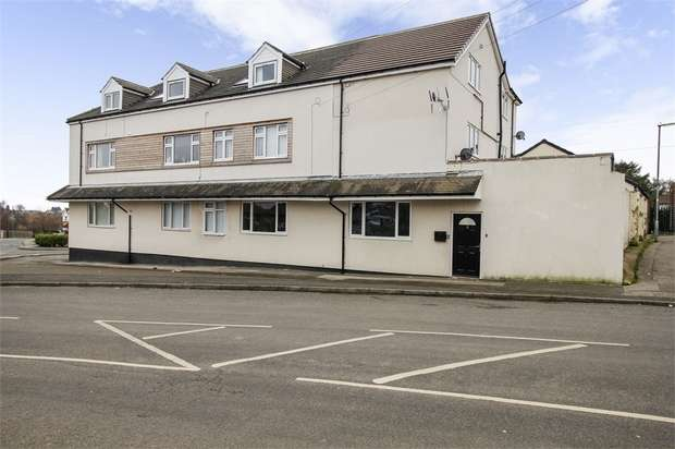 2 Bedrooms Flat for sale in Santingley Court, New Crofton, Wakefield, West Yorkshire