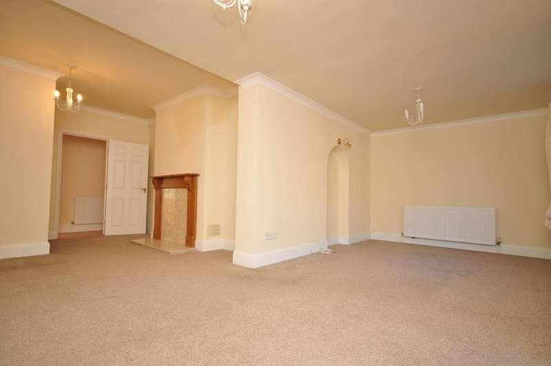 4 Bedrooms Detached Bungalow for rent in Bedhampton Hill Havant PO9