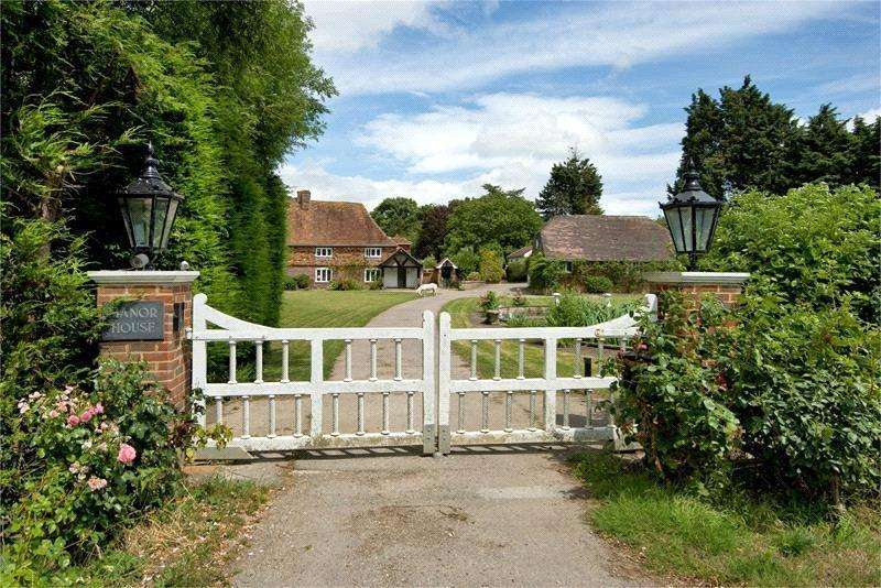 3 Bedrooms Detached House for sale in Lower Weddington Lane, Weddington, Nr. Ash, Kent, CT3