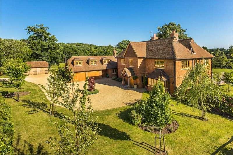 5 Bedrooms Detached House for sale in Farnham Road, Ewshot, Farnham, Surrey