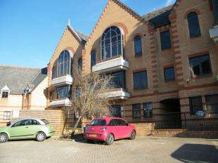 1 Bedroom Flat for sale in Whyteleafe Hill, Warlingham, Surrey