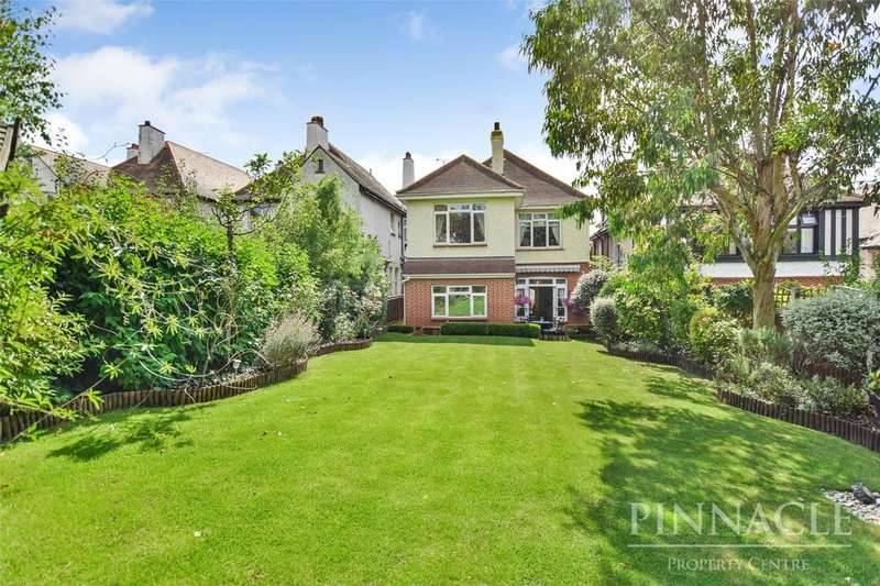 4 Bedrooms Detached House for sale in Galton Road, Westcliff-on-Sea, SS0