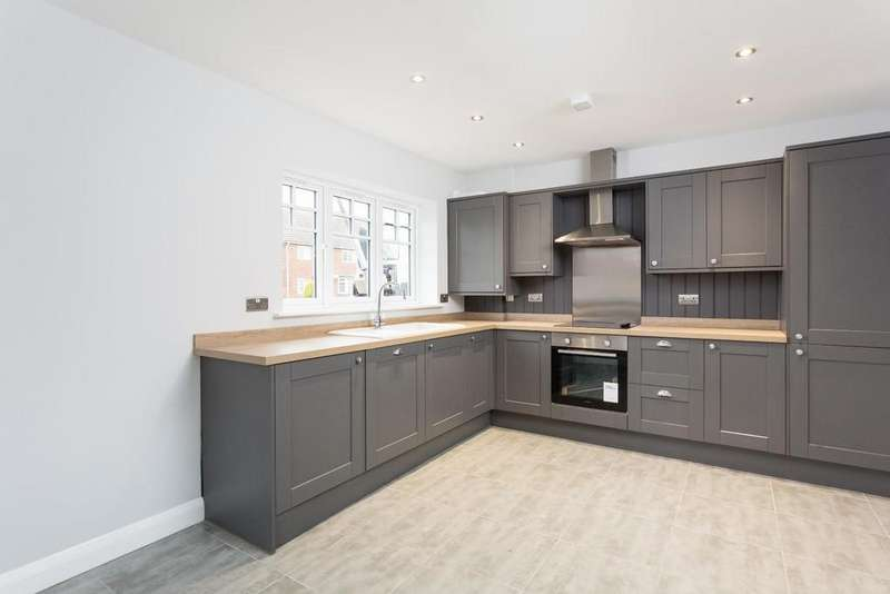 3 Bedrooms Semi Detached House for sale in Plot 9, Blacksmith Court, Cliffe, Selby