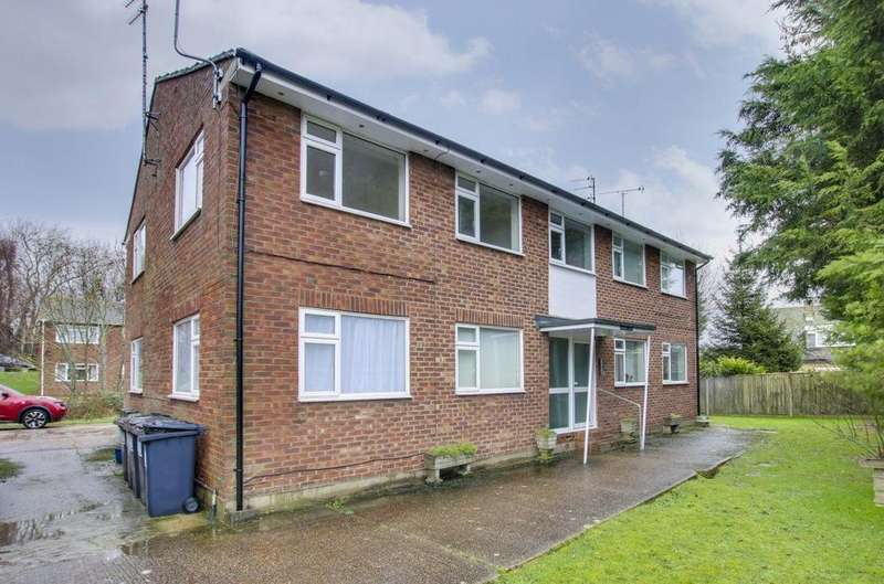 2 Bedrooms Flat for rent in POLEGATE