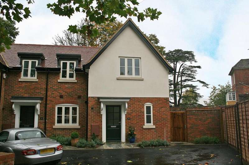 2 Bedrooms Semi Detached House for rent in Forge Lane, Welwyn, Hertfordshire